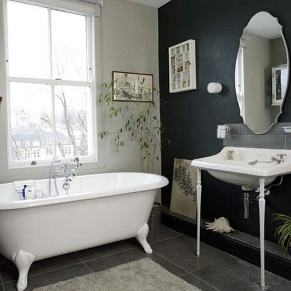 Dark and Moody Bathrooms-38-1 Kindesign