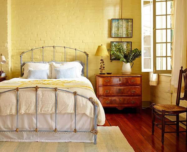 French Quarter Pied-a-Terre-Logan Killen Interiors-17-1 Kindesign