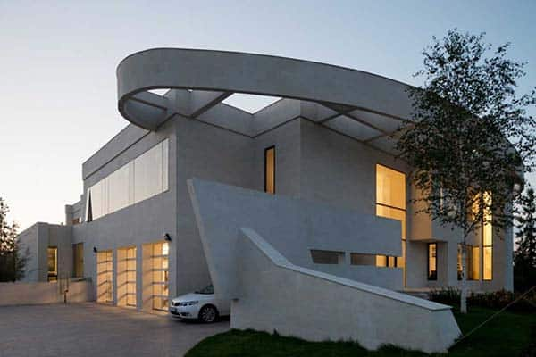 featured posts image for Exceptional contemporary villa with distinctive facade in Moscow