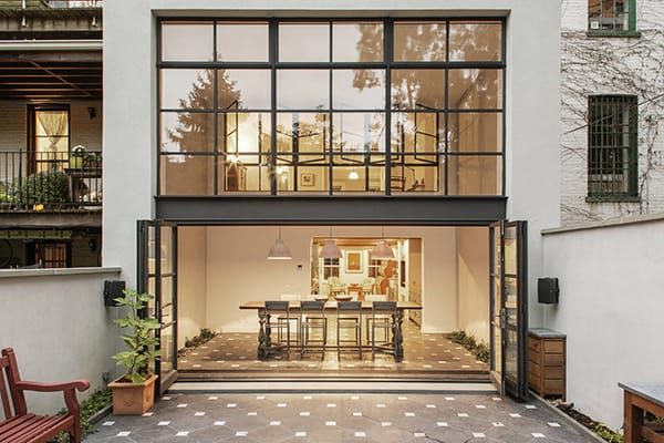 featured posts image for Indoor-outdoor interplay: Cumberland Townhouse in New York