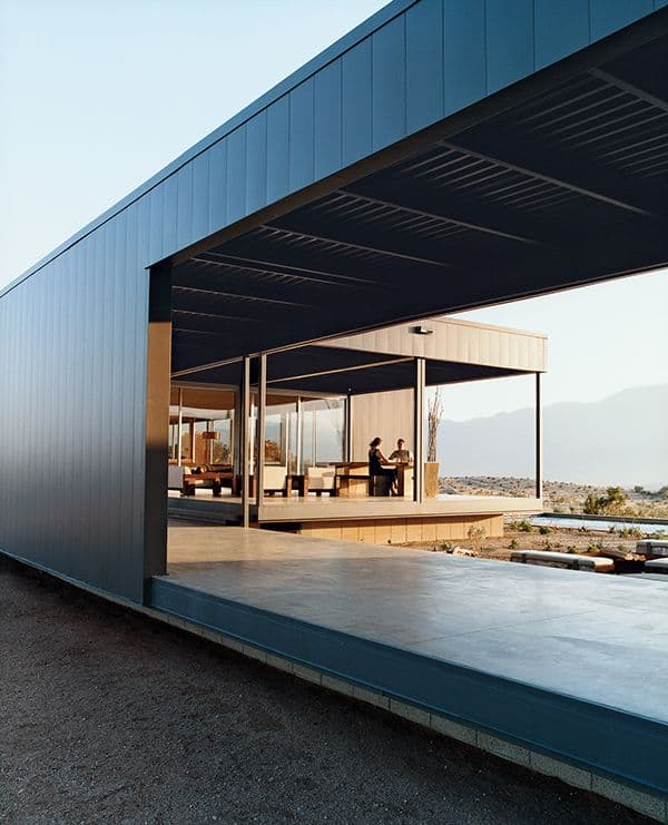 featured posts image for Desert House: Fascinating prefab home by Marmol Radziner
