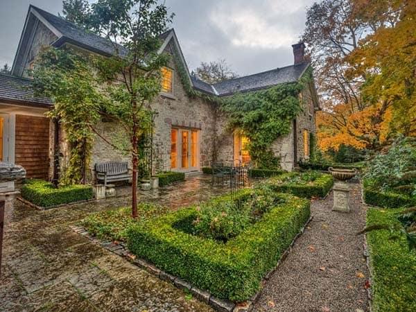 Renovated Stone Farmhouse-09-1 Kindesign