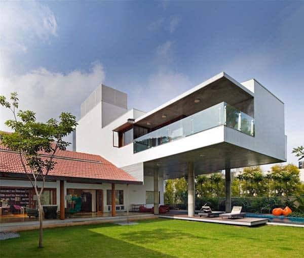 featured posts image for Vibrant home abounding in light and color: Library House in India