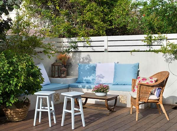 Relaxing Outdoor Living Spaces-07-1 Kindesign