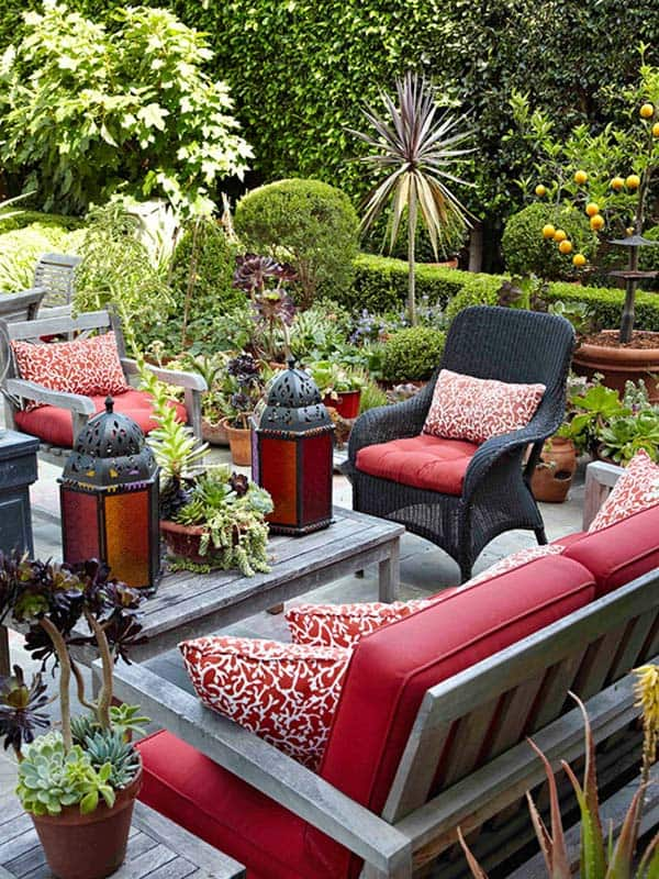 Relaxing Outdoor Living Spaces-14-1 Kindesign