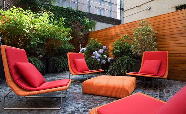 Relaxing Outdoor Living Spaces-22-1 Kindesign