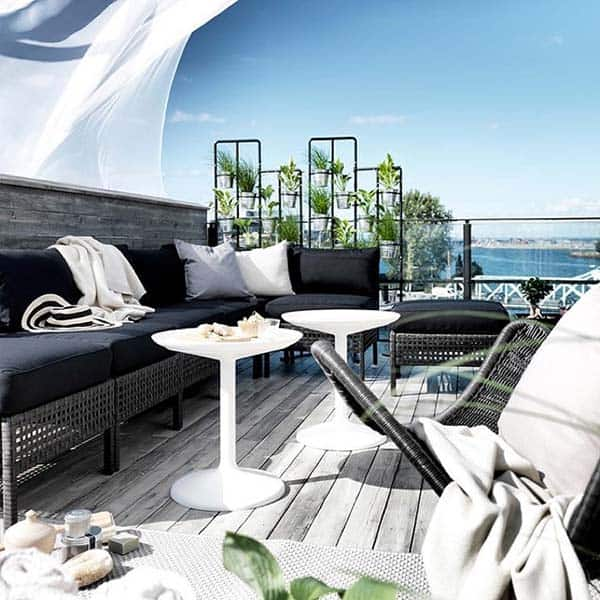 Relaxing Outdoor Living Spaces-25-1 Kindesign