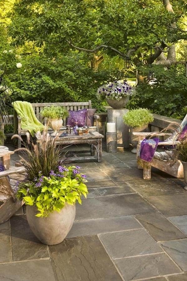 Relaxing Outdoor Living Spaces-34-1 Kindesign
