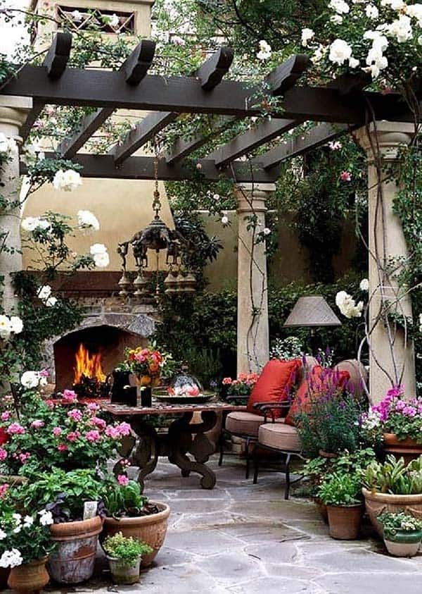 Relaxing Outdoor Living Spaces-35-1 Kindesign
