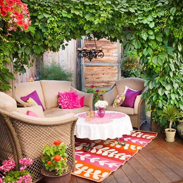 Relaxing Outdoor Living Spaces-45-1 Kindesign