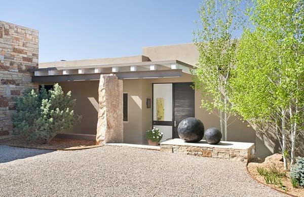 featured posts image for Charming Adobe-inspired home in Santa Fe, New Mexico