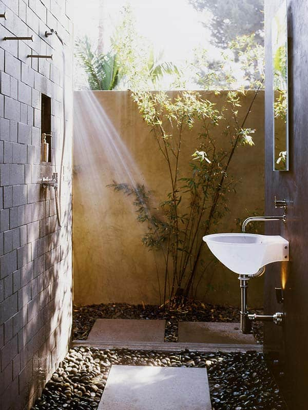 awesome outdoor bathrooms 03 1 kindesign - Outdoor Bathroom