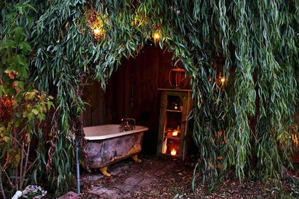 Awesome Outdoor Bathrooms-06-1 Kindesign