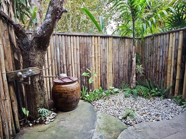 Awesome Outdoor Bathrooms-15-1 Kindesign