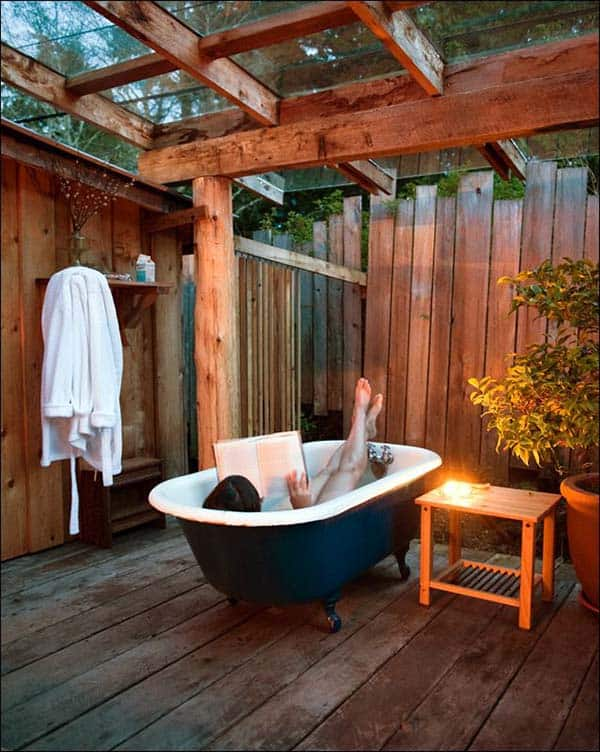 Awesome Outdoor Bathrooms-22-1 Kindesign