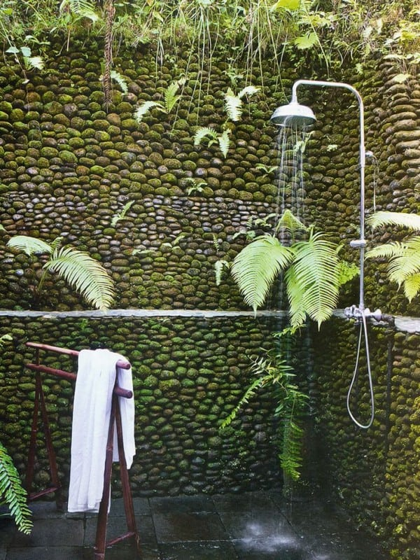 Awesome Outdoor Bathrooms-29-1 Kindesign