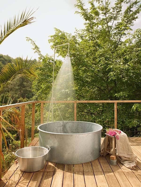 Awesome Outdoor Bathrooms-38-1 Kindesign