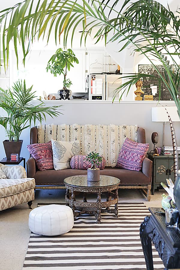 Decorated Spaces With Plants-30-1 Kindesign
