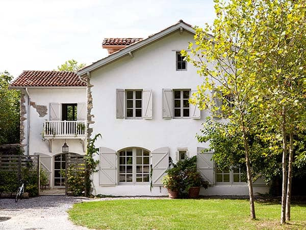 featured posts image for Shabby-luxe dream house in the French countryside