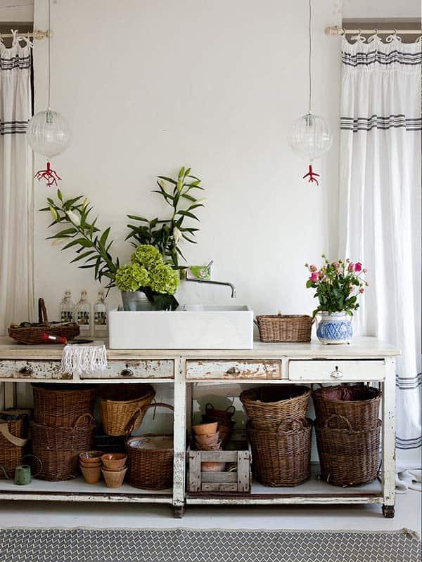 Farmhouse in Biarritz-Isabel Lopez-Quesada-19-1 Kindesign