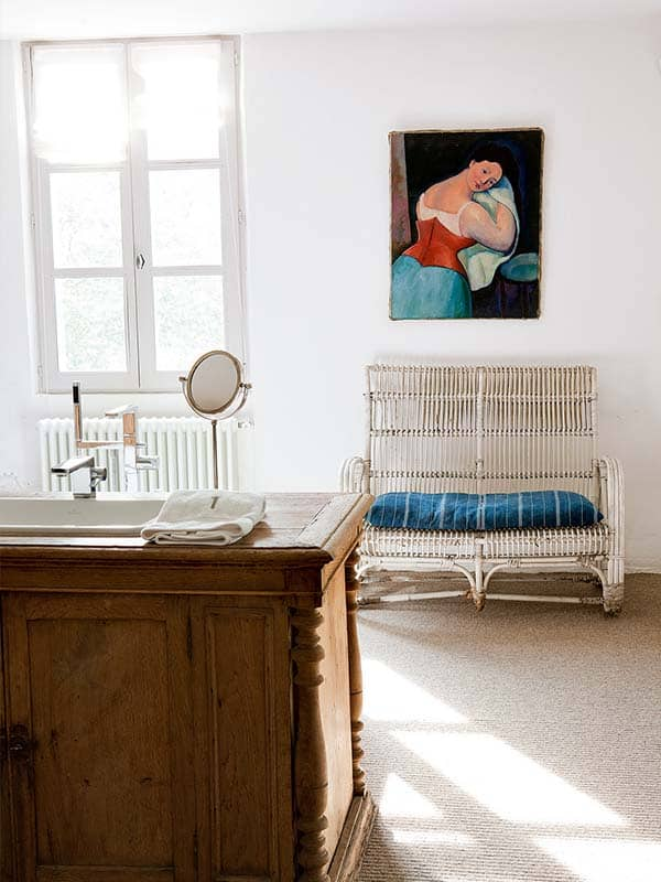 Farmhouse in Biarritz-Isabel Lopez-Quesada-29-1 Kindesign