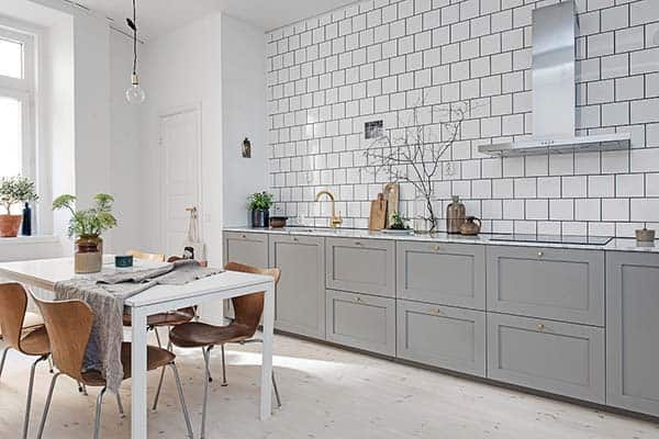 featured posts image for Stylish Scandinavian apartment illuminated with natural light
