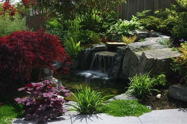 Tranquil Backyard Waterfalls-04-1 Kindesign