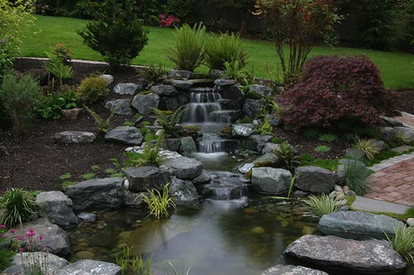 Tranquil Backyard Waterfalls-17-1 Kindesign
