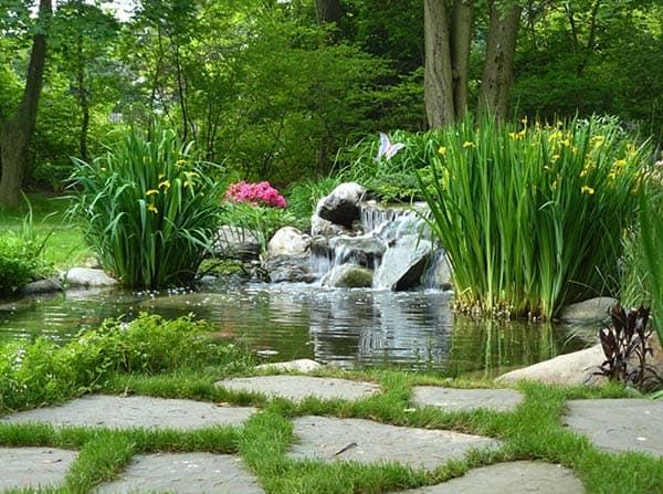Tranquil Backyard Waterfalls-27-1 Kindesign