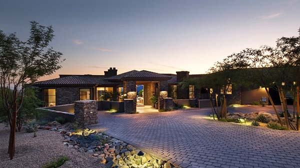 Desert Mountain Retreat-ArchitecTor-24-1 Kindesign