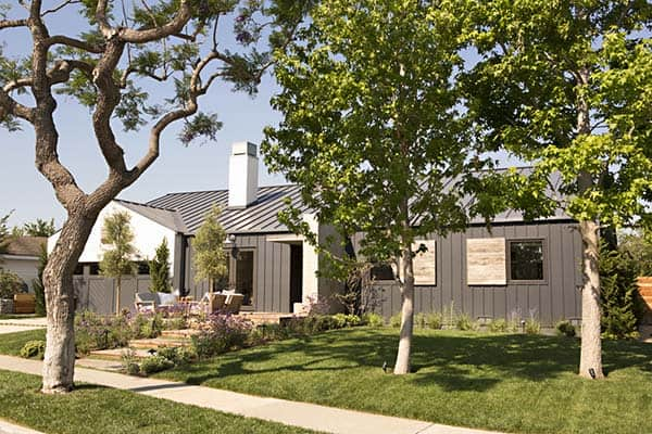 featured posts image for Fascinating modern farmhouse-inspired home in California