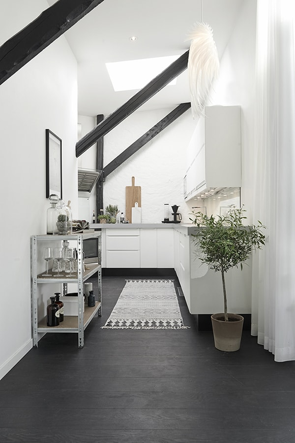 Gothenburg Attic Apartment-10-1 Kindesign