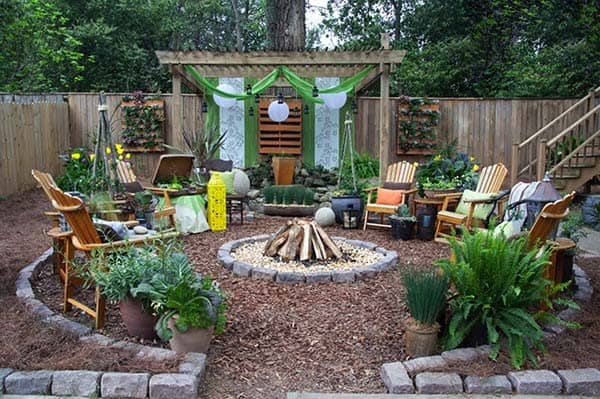 Playful Outdoor Living Spaces-35-1 Kindesign