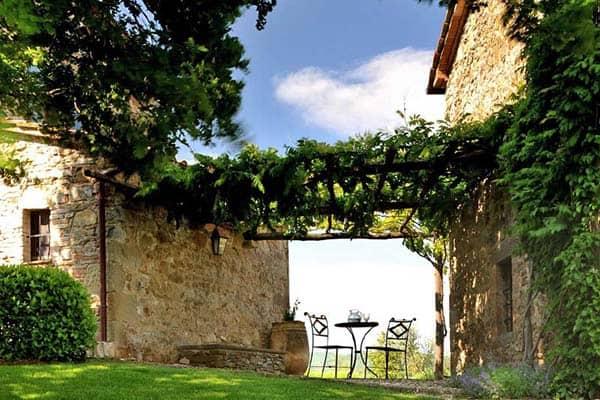 Villa Noci-Italy-03-1 Kindesign