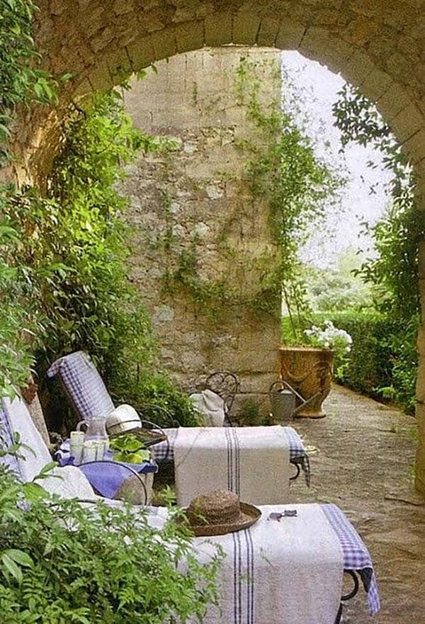 Amazing Outdoor Spaces-27-1 Kindesign