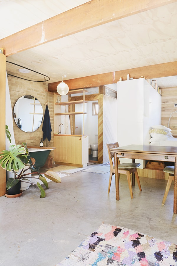 featured posts image for Garage converted to compact studio apartment in Melbourne