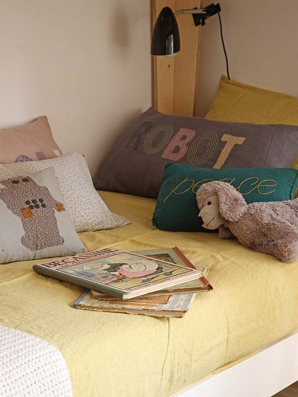 Barcelona Apartment-Bonba Studio-11-1 Kindesign