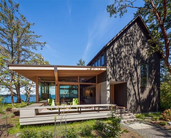 featured posts image for Fascinating waterfront retreat on picturesque Orcas Island