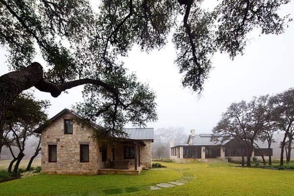 featured posts image for Texas hill country retreat connects to nature along the Frio River