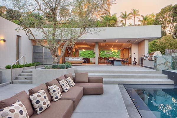 featured posts image for Mesmerizing La Jolla canyon home surrounded by sculptural art
