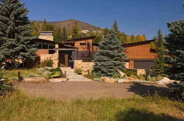 featured posts image for LEED Gold mountain home fascinates the imagination in Colorado