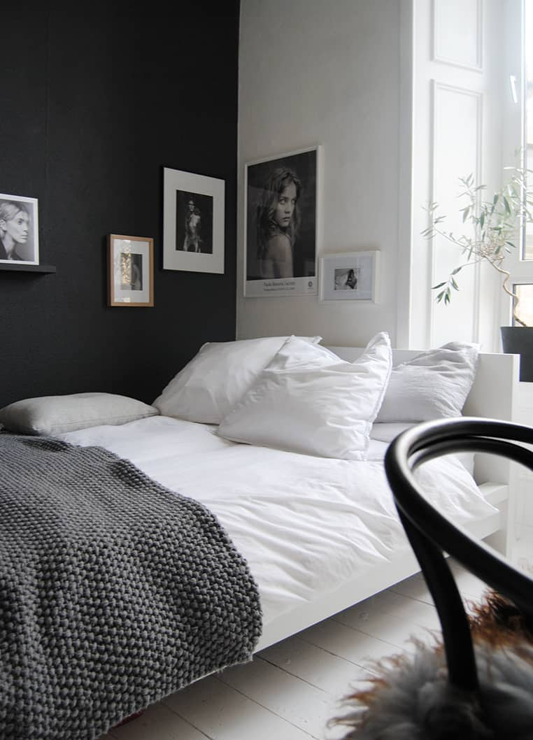 Exceptional Black And White Small Bedroom Ideas Part - 13: Black And White Bedroom Ideas-01-1 Kindesign