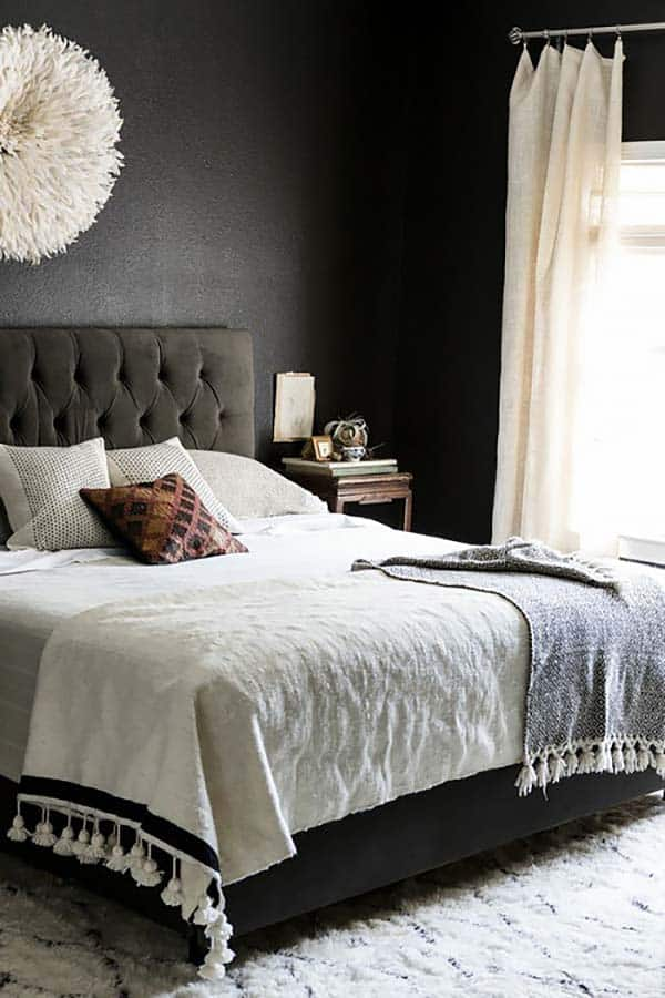 Black and White Bedroom Ideas-07-1 Kindesign