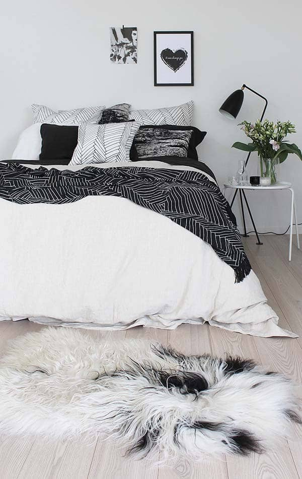 Black and White Bedroom Ideas-08-1 Kindesign