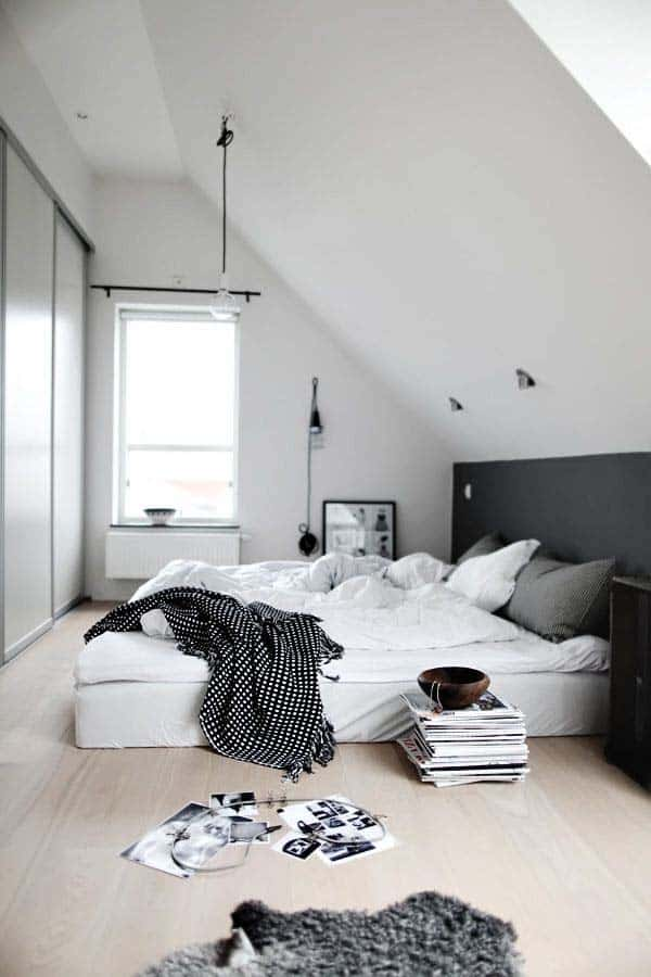 Black and White Bedroom Ideas-23-1 Kindesign