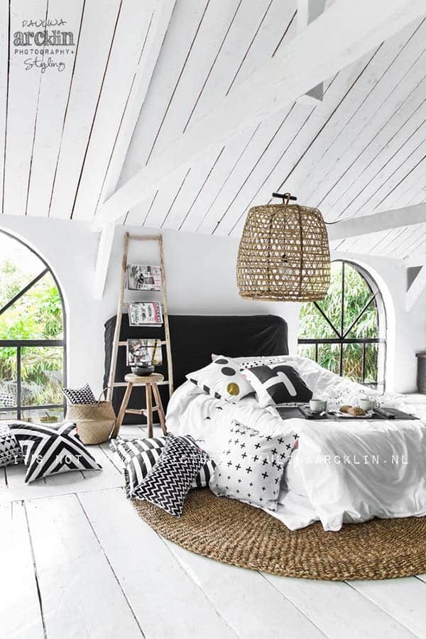 Black and White Bedroom Ideas-27-1 Kindesign