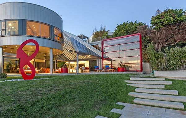 featured posts image for Mammoth Malibu beach house retreat lists at $53 million