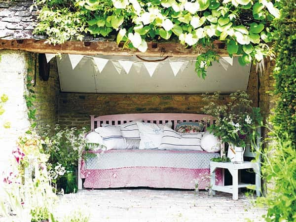 Cozy Outdoor Reading Nooks-11-1 Kindesign