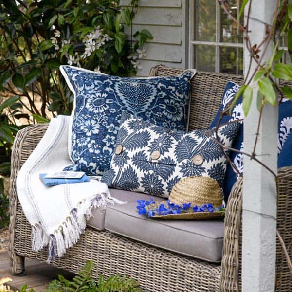 Cozy Outdoor Reading Nooks-15-1 Kindesign