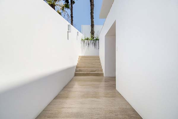House in Ancon-Adrian Noboa Arquitecto-06-1 Kindesign